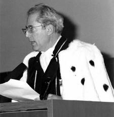 Prof. Uberto Crescenti